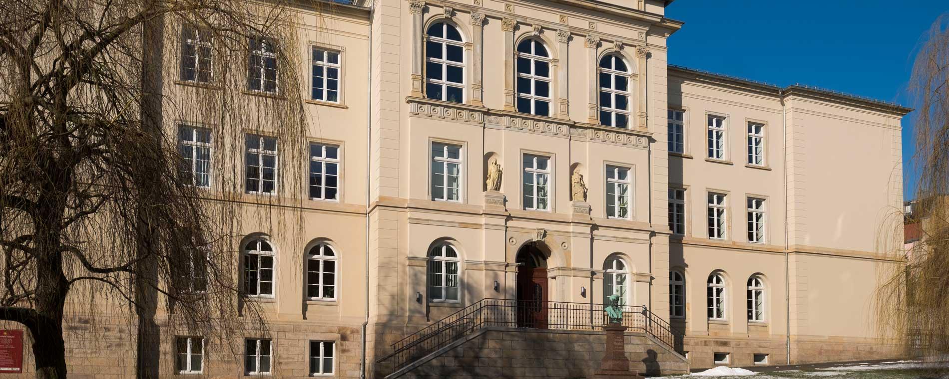 Frontansicht Weinholdschule Reichenbach