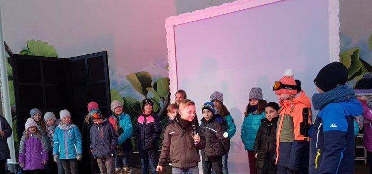 Theatergruppe gibt dem Winter einen Schwung